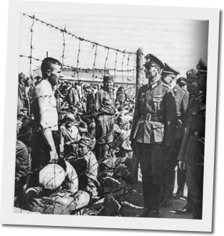 German officer speaking to POWs - WW2